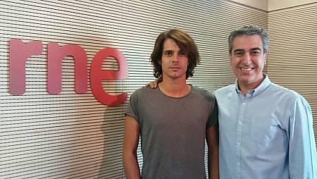 Arturo Martín entrevista a Javier Recio en la Casa de la Radio (Madrid)