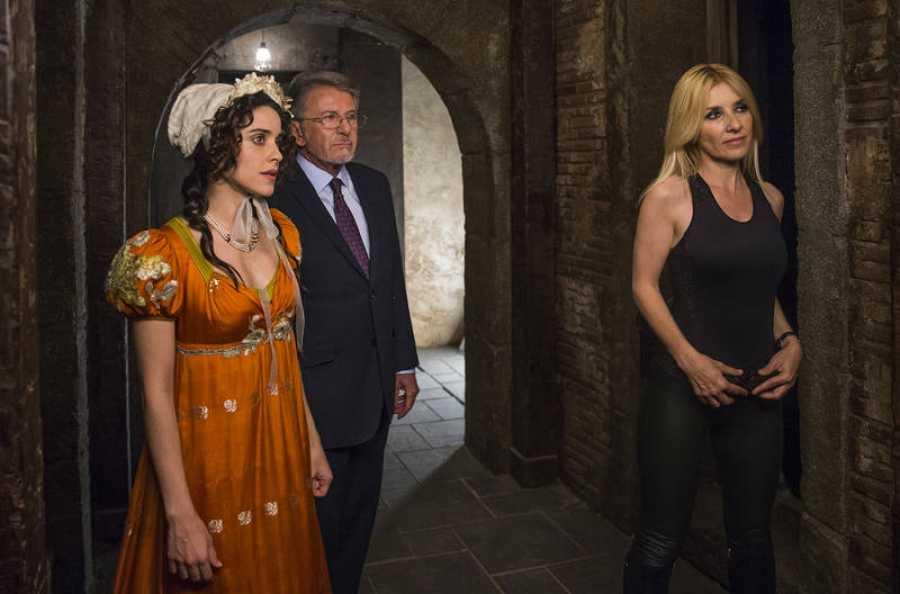 Lola, Salvador e Irene acompañan a los fans más activos de la serie en esta nueva misión