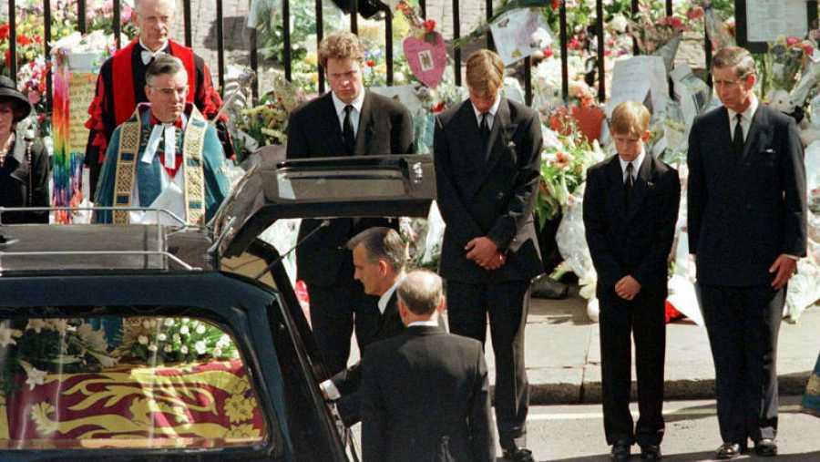 Mediático funeral el de Diana de Gales en 1997