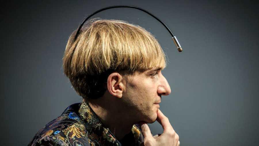 Neil Harbisson, primer 'cyborg' reconocido como tal