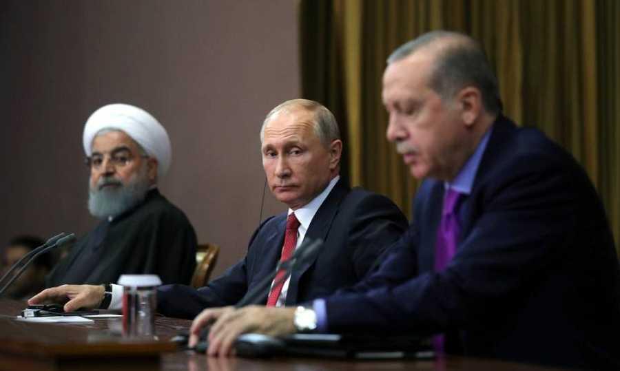 Los tres líderes se han reunido en Sochi por iniciativa de Putin para impulsar un proceso de paz en Siria