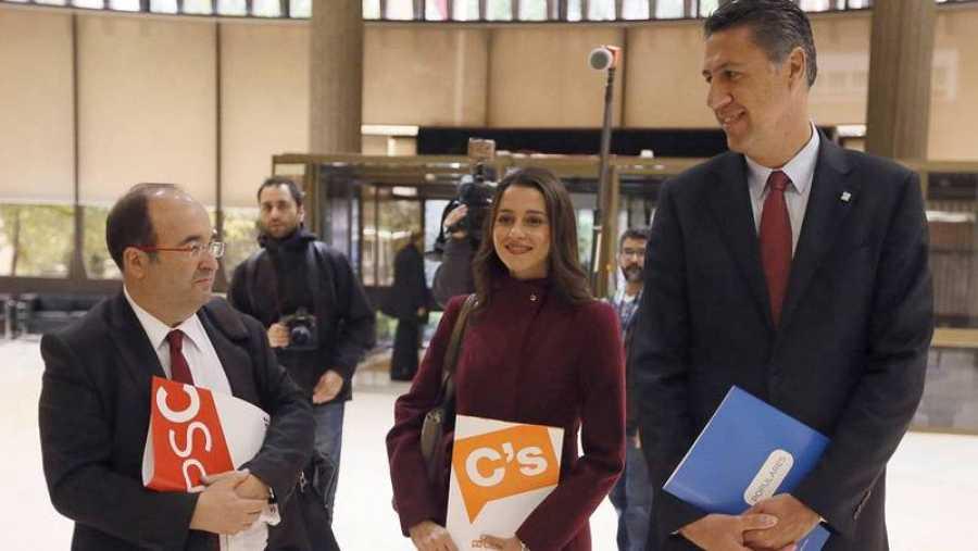 Miquel Iceta, Inés Arrimadas y Xavier García Albiol, en el Tribunal Constitucional (EFE).
