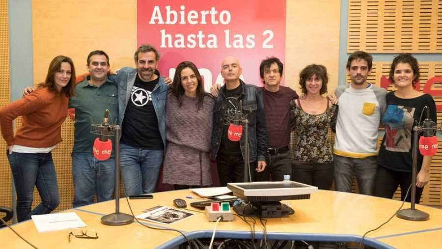 Lagartija Nick, con Paloma Arranz y su equipo