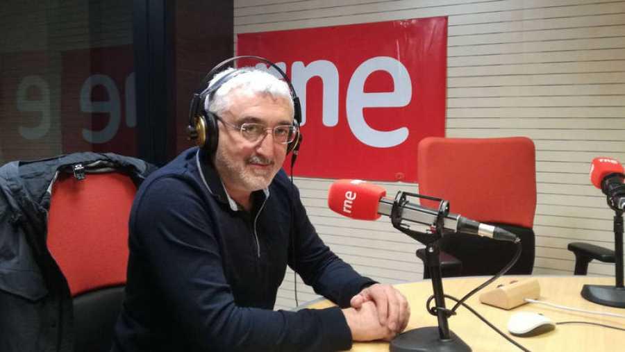 El periodista Manuel Rodríguez, desde Rne Santiago