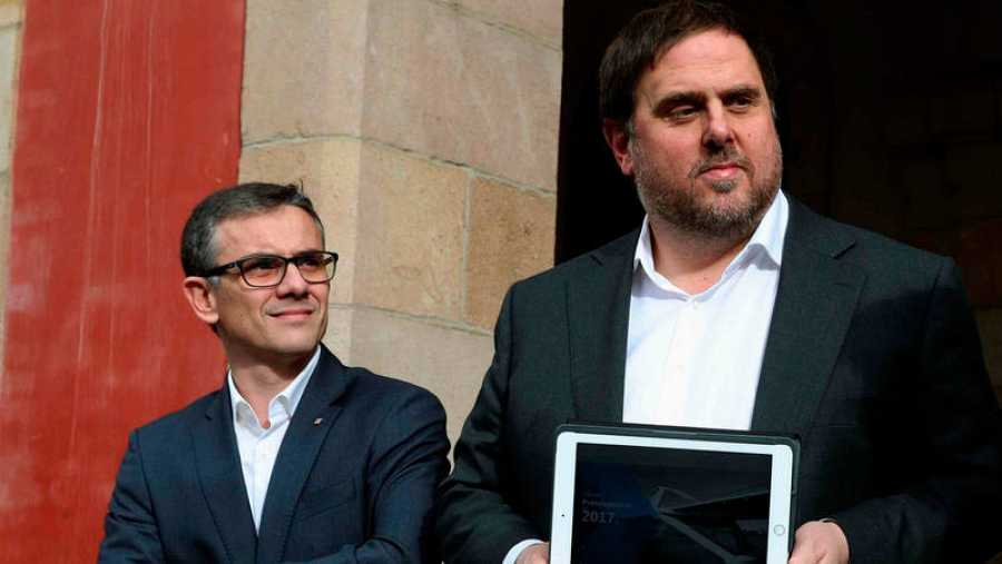 Josep Maria Jové, número dos de Oriol Junqueras en Hacienda, acompaña a este para presentar los presupuestos catalanes de 2017