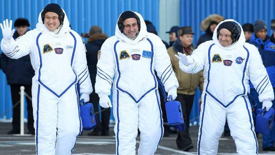 La tripulación de la Soyuz MS-07, el japonés Norishige Kanai, el ruso Antón Shkaplerov y el estadounidense Scott Tingle