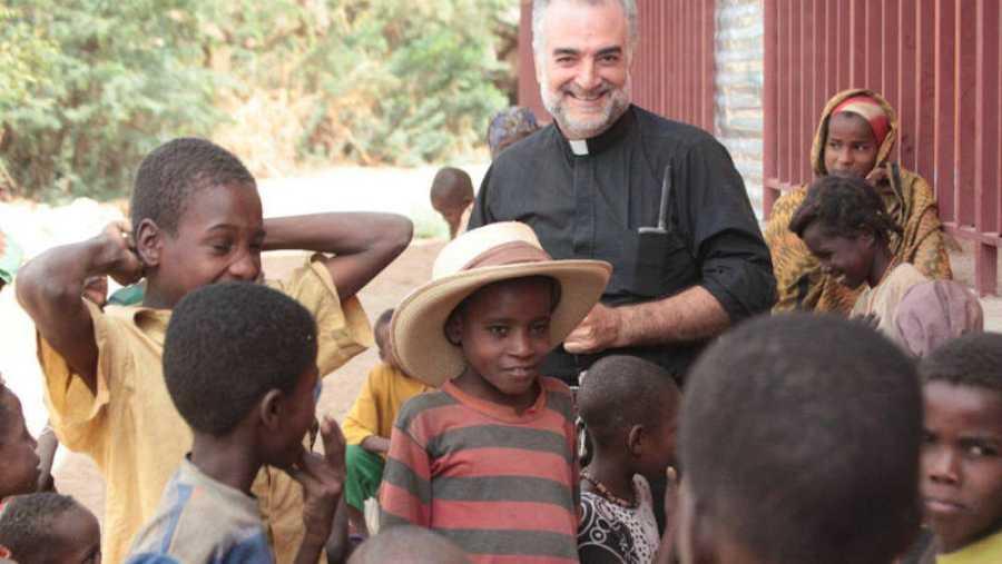 El padre Christopher Hartley, anglo-español, trabaja en el cuerno de África