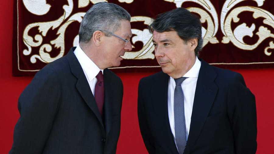 Alberto Ruiz Gallardón junto al también expresidente de la Comunidad de Madrid Ignacio González, en una imagen de mayo de 2014