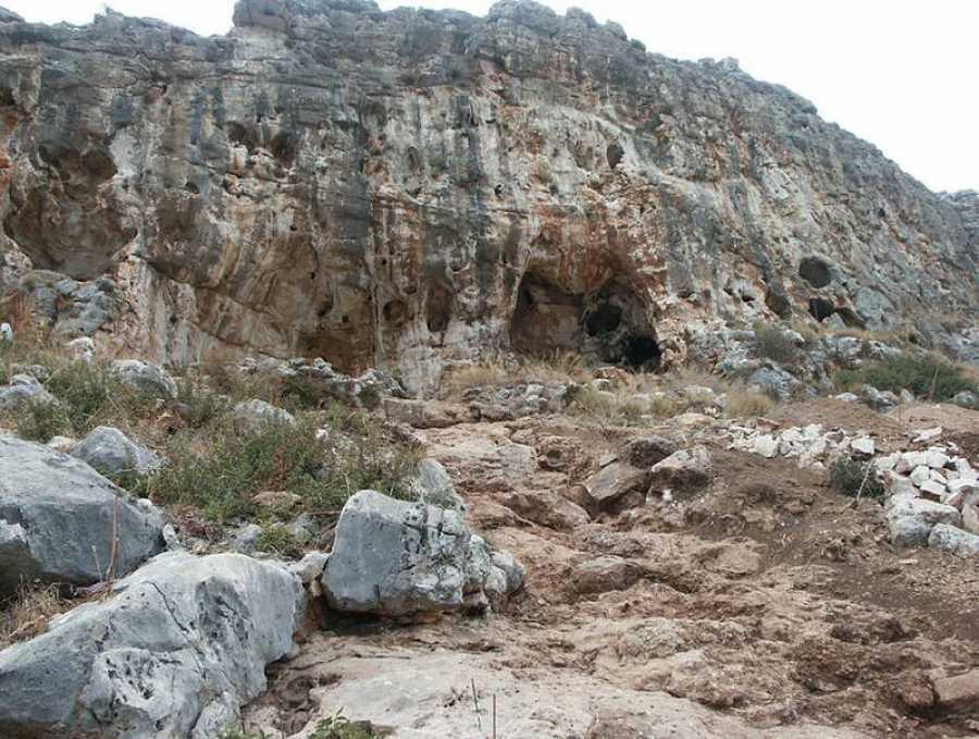 La cueva de Misliya, donde se ha hallado el fósil humano más antiguo fuera de África