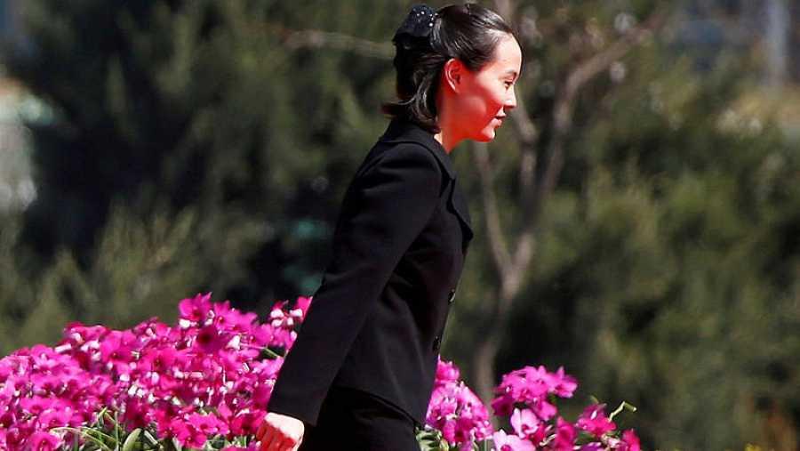 Imagen de archivo de Kim Yo jong, hermana del líder norcoreano Kim Jong un, durante una ceremonia en Pyongyang el 13 de abril de 2017