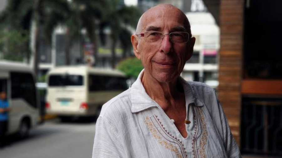 Andreas Micoleiczkic, alemán de 72 años, dueño del resort Patrick's on the Beach, cuyos comentarios en su página web han incendiado las redes