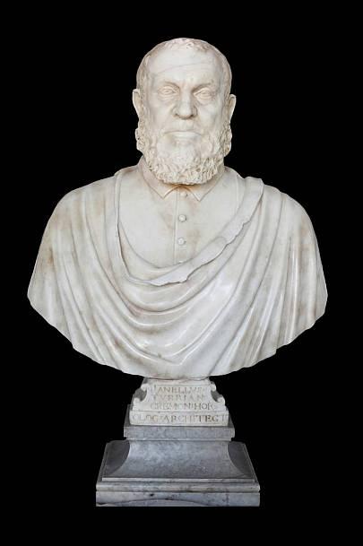 Busto de Juanelo Turriano, una de las piezas que se pueden contemplar en la muestra.