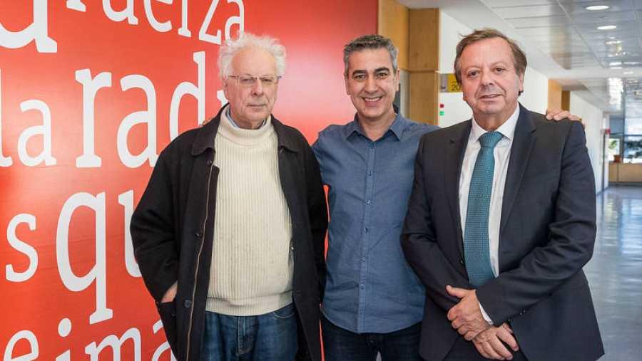 Arturo Martín recibe al filósofo Javier Sádaba y al doctor Javier Cabo