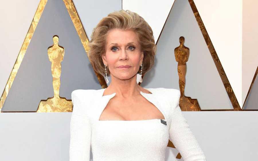 Jane Fonda ha lucido el pin de