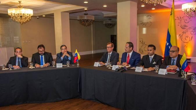 El Supremo venezolano en el exilio admite querella contra Maduro por Odebrecht