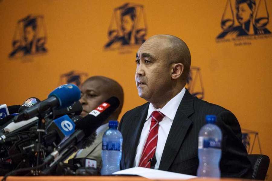 El fiscal general de Sudáfrica, Shaun Abrahams, durante la rueda de prensa en la que ha anunciado el procesamiento de Zuma