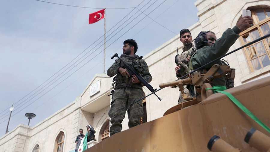 Tropas del Ejército de Turquia y del Ejército Libre Sirio, en la ciudad de Afrín