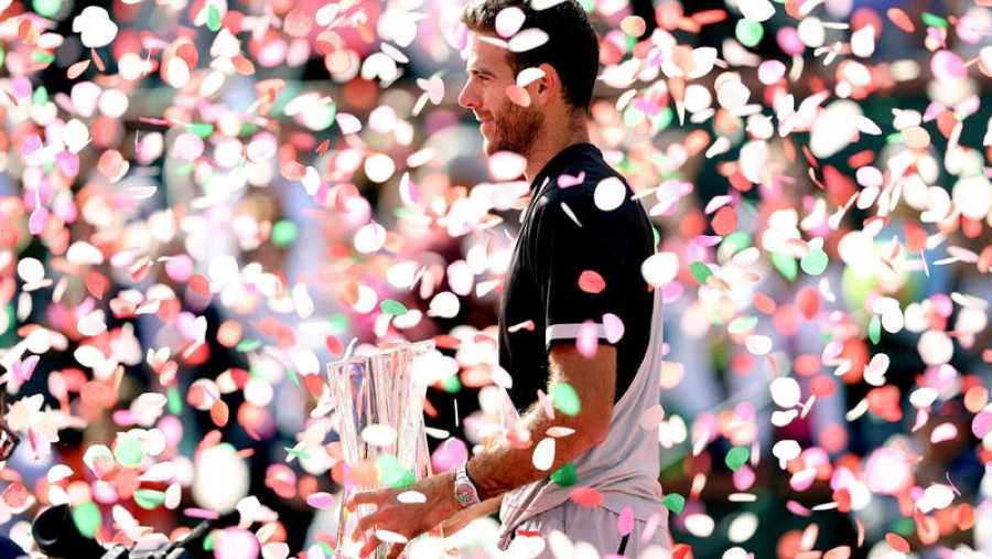 Del Potro posa con su primer Masters 1.000 de Indian Wells
