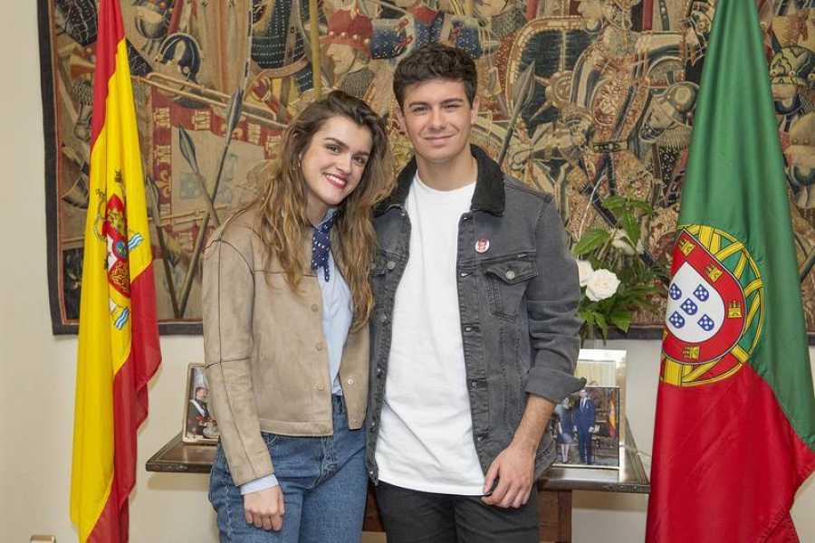 Amaia y Alfred en la embajada de Portugal en España