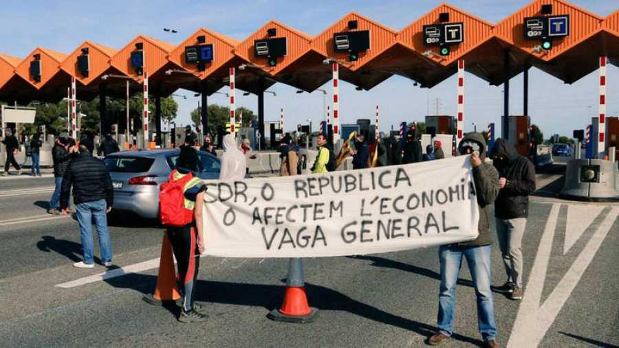 Una de las acciones realizadas por los CDR en un peaje catalán