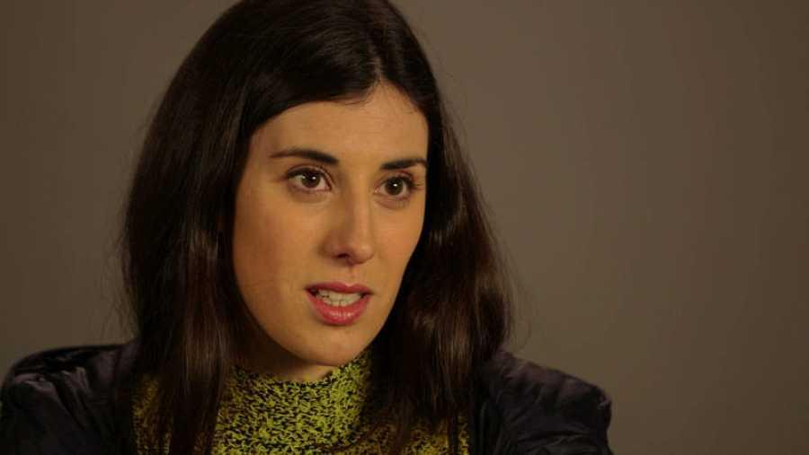 Elena Martín, directora, guionista y actriz, durante la grabación del microdocumental
