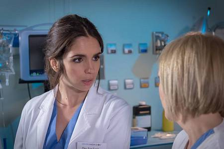 Elena Furiase será la doctora Eva Soria, que hará el MIR como internista