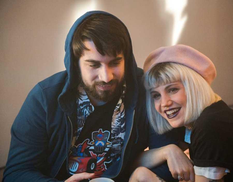 Angy Fernández y Manuel Huedo, dos de los protagonistas de la serie digital