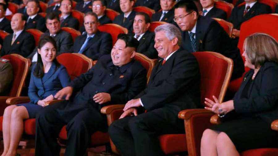 Encuentro entre Kim Jong-un y Miguel Díaz Canel en septiembre de 2015