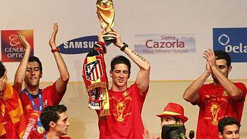 Torres celebra el Mundial 2010