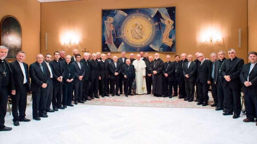 El papa Francisco con los obispos chilenos en el Vaticano