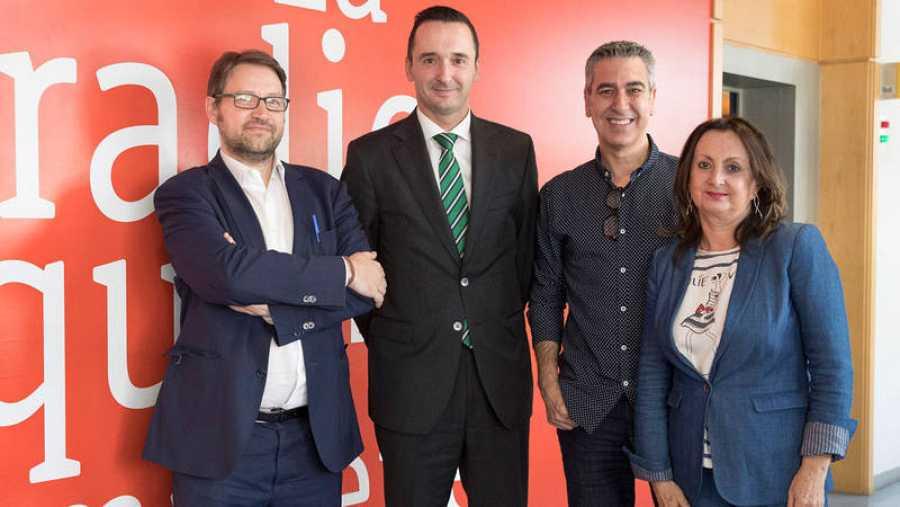 De izquierda a derecha: Víctor Manuel Cageao, Miguel Ángel Molina, Arturo Martín y Julia Molina