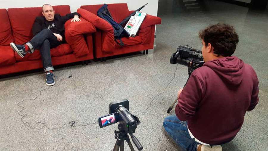 Un momento de la grabación con Carlos Areces