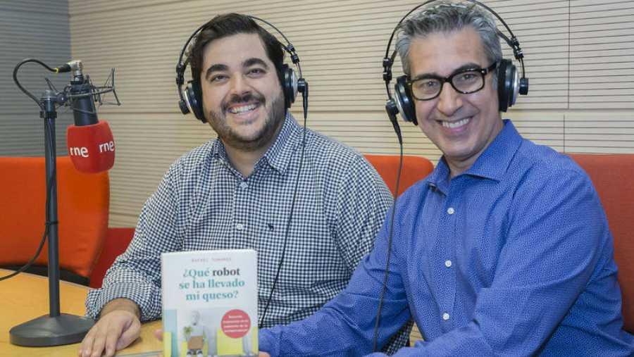 Rafael Tamames presenta '¿Qué robot se ha llevado mi queso?'