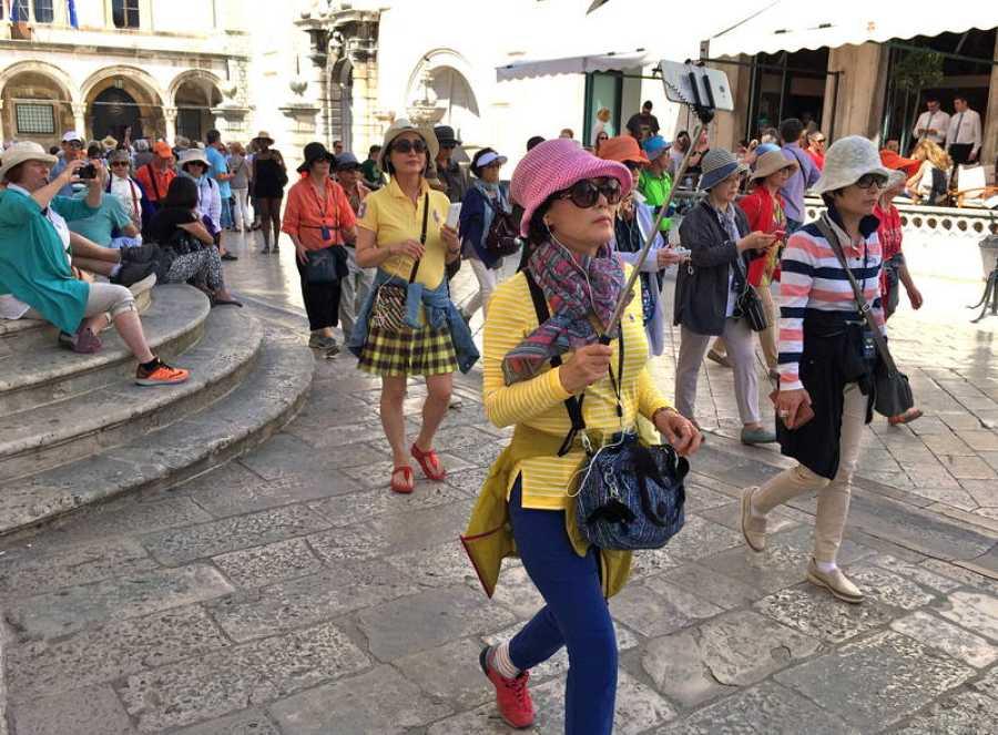 Turistas en Dubrovnik