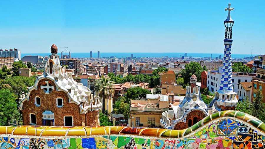 El Parque Güell, una de las principales obras de Gaudí en Barcelona