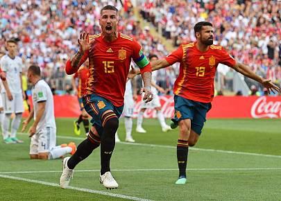 Ramos celebrando el primer gol de España.