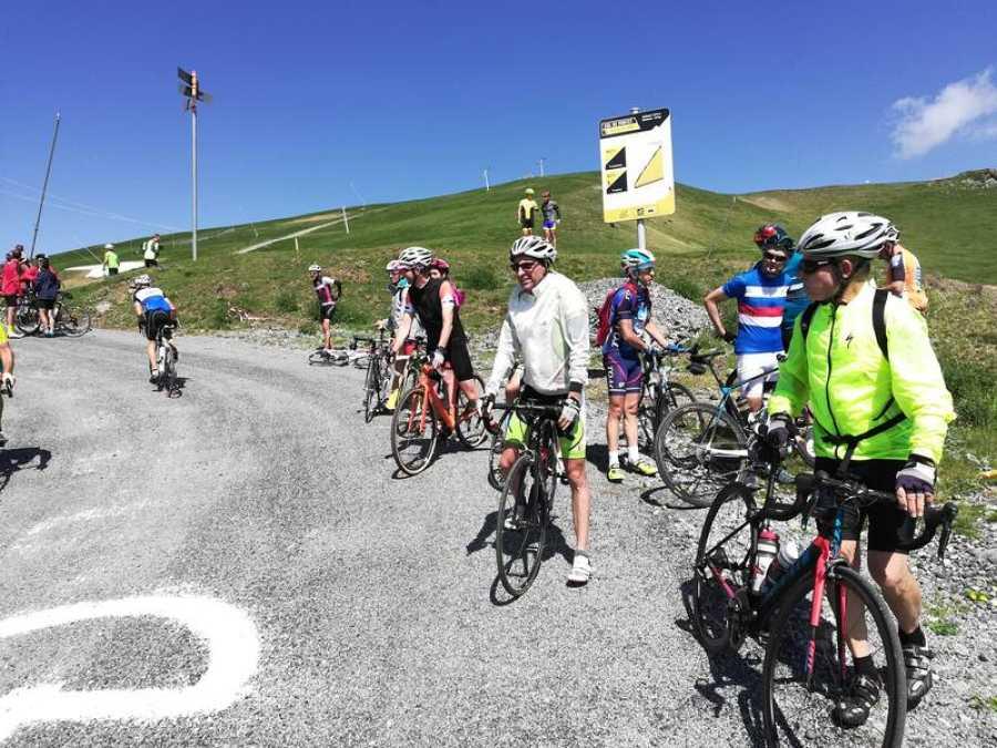 La jornada dominical se convirtió en una fiesta del cicloturismo con motivo de la inauguración del asfaltado.