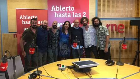 Paloma Arranz, con toda la banda