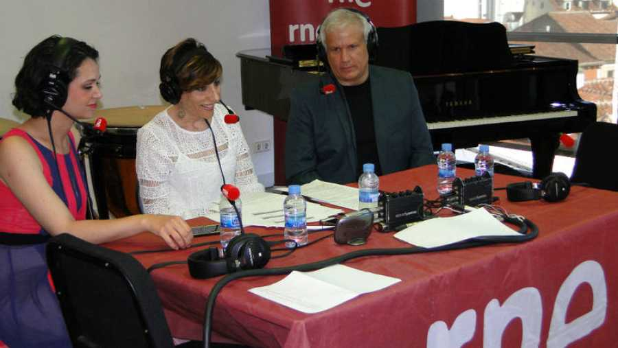 Mamen Asencio con Rubén Cova y María Guerrero.