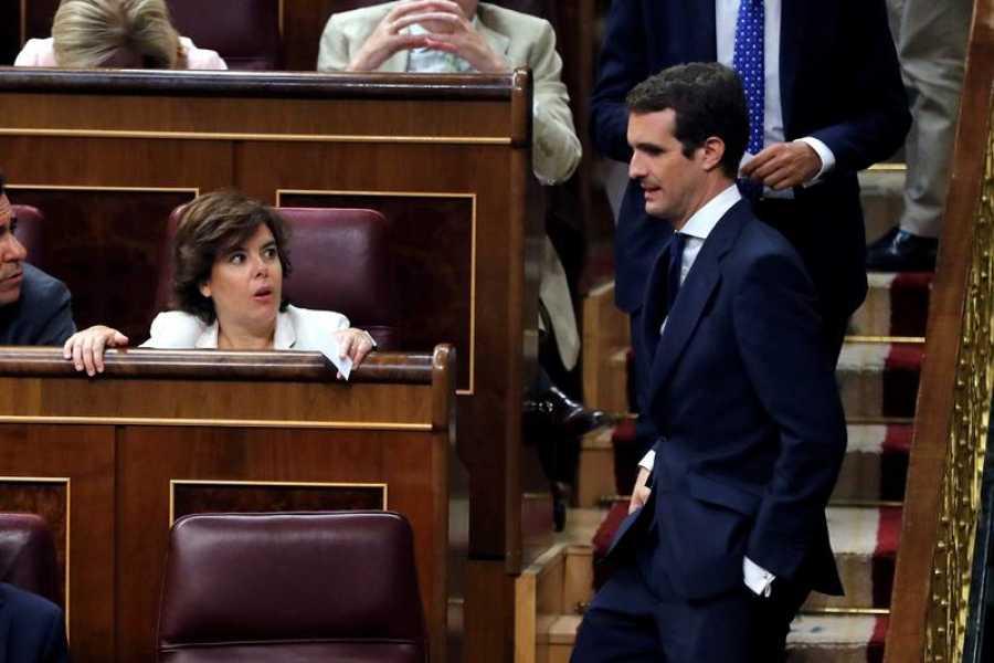 Casado se sienta en el escaño del Congreso ocupado por el líder del Partido Popular