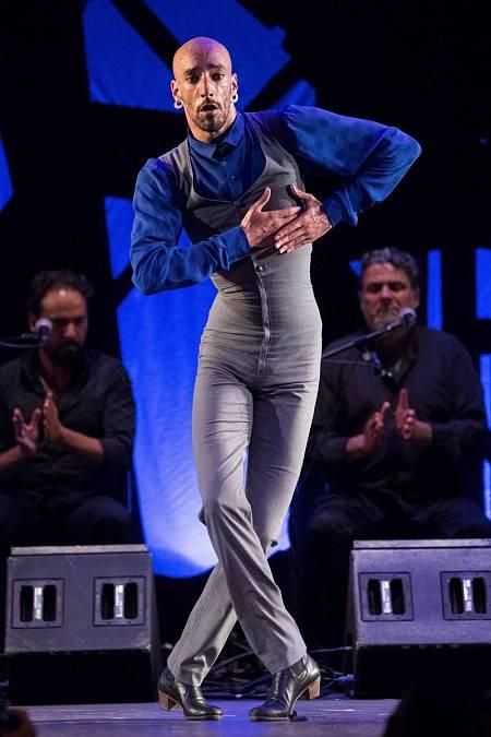 El ganador del primer premio del concurso de baile flamenco masculino del 58º Festival Internacional del Cante de las Minas de la Unión, el cordobés Hugo López Luque
