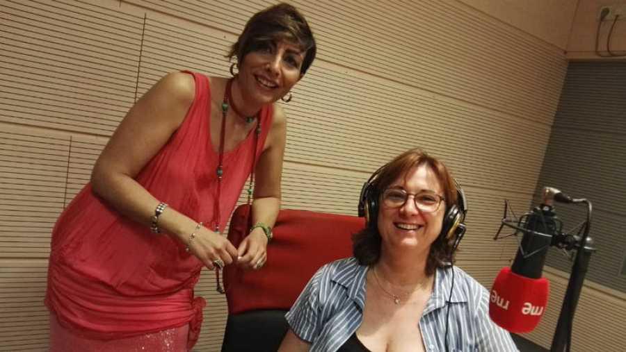 Mamen Asencio con María Luisa Escribano.