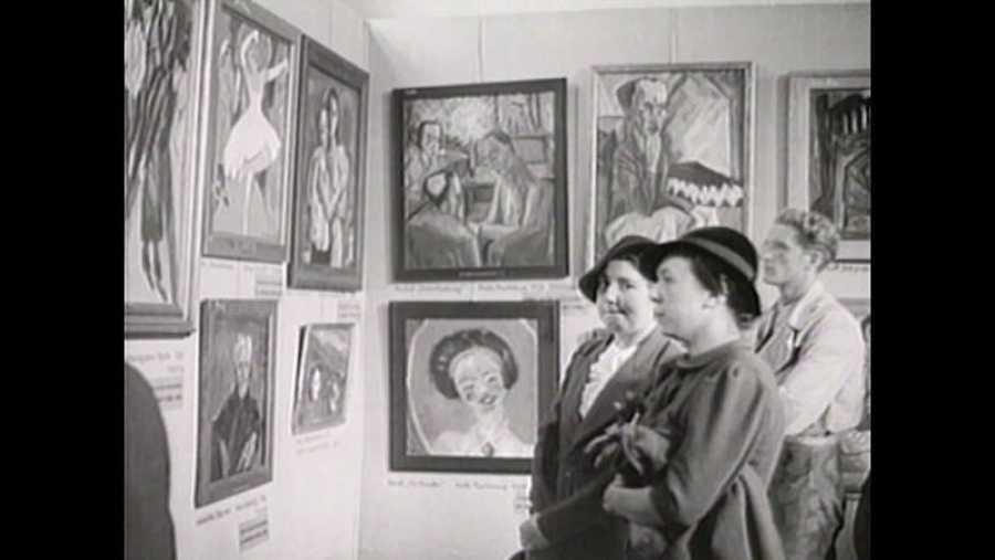 Exposición de arte moderno llamado por los nazis degenerado organizada por Gobels