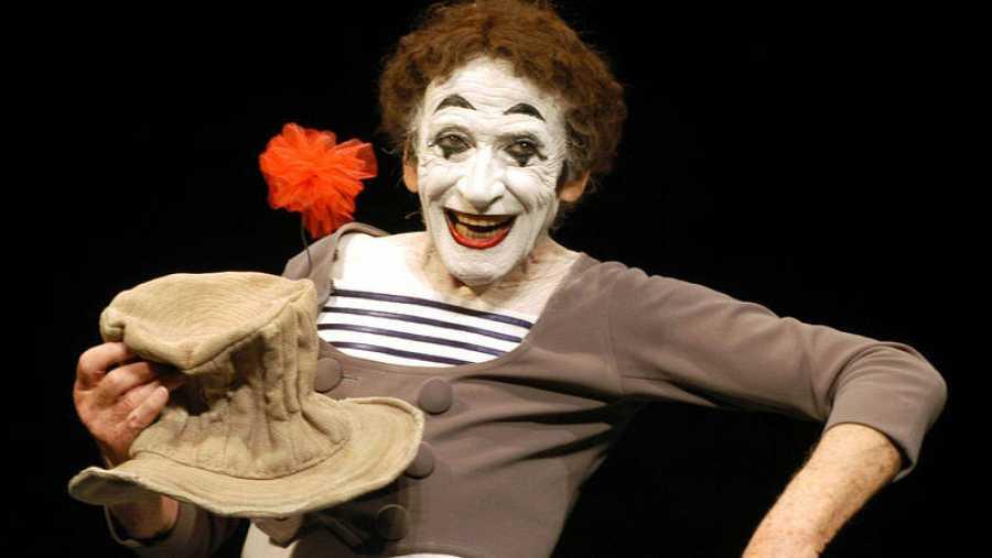 Marcel Marceau, en plena función