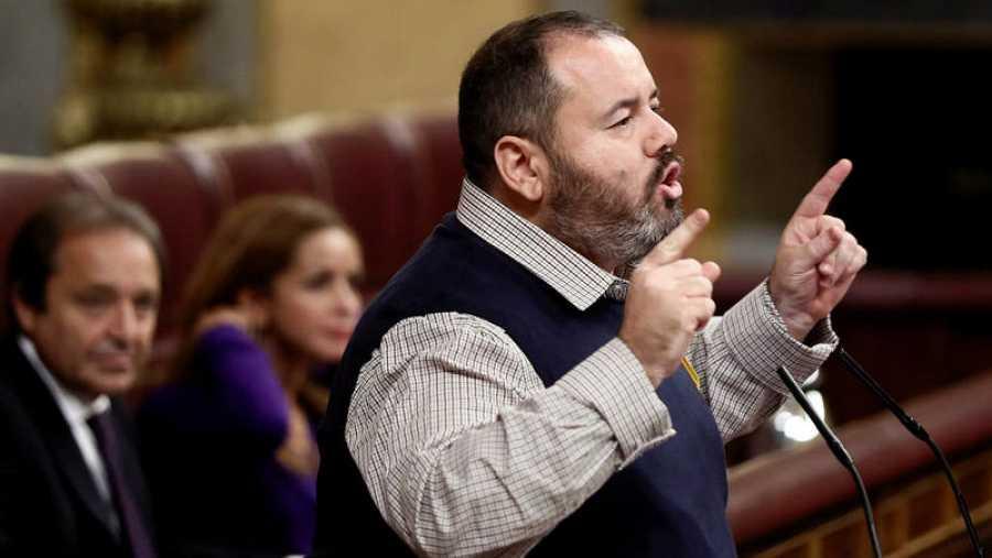 El diputado de En Comú Podem Joan Mena durante una intervención en el pleno del Congreso