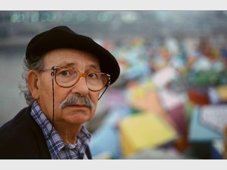 'Los cubos de la Memoria' de Ibarrola en Llanes