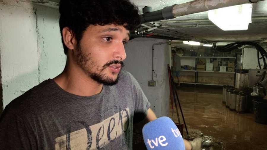Andrés Martorell, del restaurante Cuatro fogones, trata de recuperar la normalidad tras las inundaciones