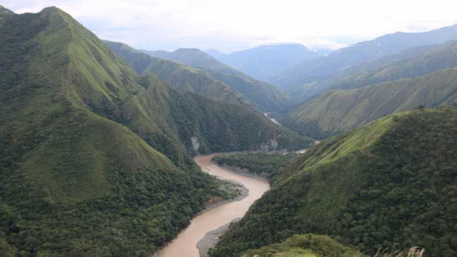 Vista del cauce del río Cauca en Colombia