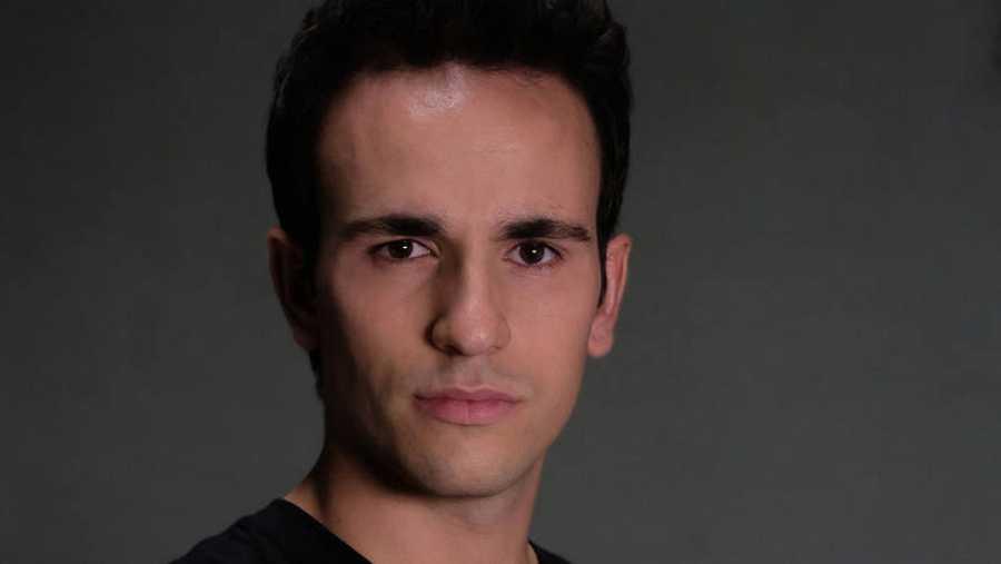 Alejandro Jato es Toni Ríos en 'Servir y Proteger'
