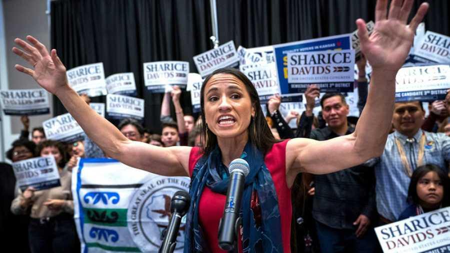 La candidata demócrata a la Cámara de Representantes de Kansas, Sharice Davids